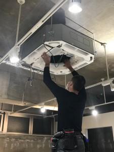 エアコン掃除!!名東区本郷にある美容室125(ワンツーファイブ)